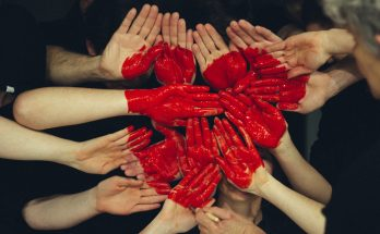 Five ways Charitable Giving Helps Both Your Community and Your Business